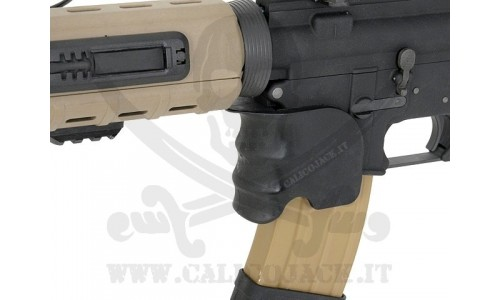 GRIP PER M4/M16 SERIES COYOTE